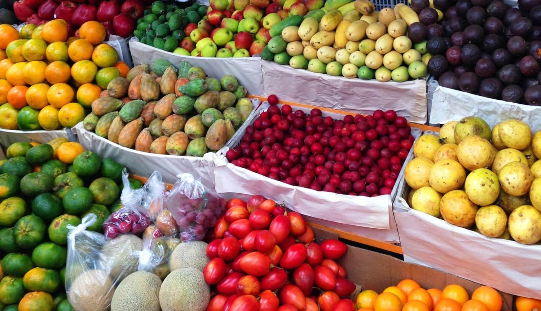 market fruits in bogota